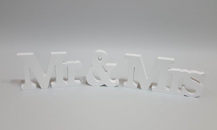 Decoratiune litere Mr & Mrs